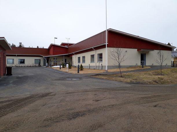 Ylä-Savon soten kuntayhtymä otti Kalliosydän-hoivakodin toiminnan haltuunsa viranomaisten arvioitua potilasturvallisuuden vaarantuneen hoivakodissa.