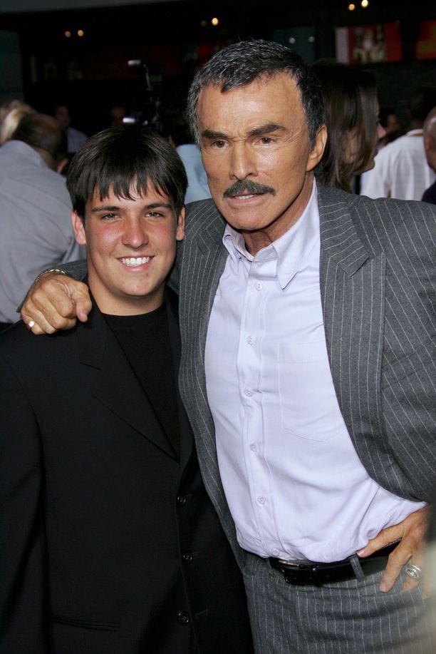 Burt Reynolds ja Quinton-poika vuonna 2005.