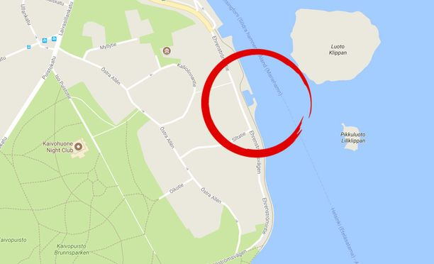 Ruumis löytyi, kun ohikulkija havaitsi sen vedessä Kaivopuiston edustalla.