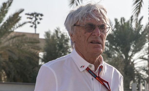 Bernie Ecclestone puoltaisi Fernando Alonsoa Mercedeksen rattiin.