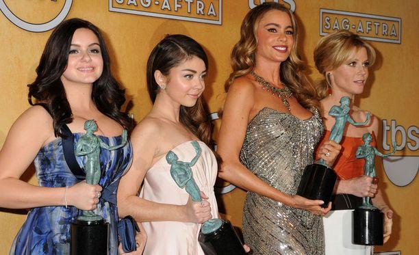 Modernin perheen näyttelijät palkittiin komediasarjan kategoriassa.