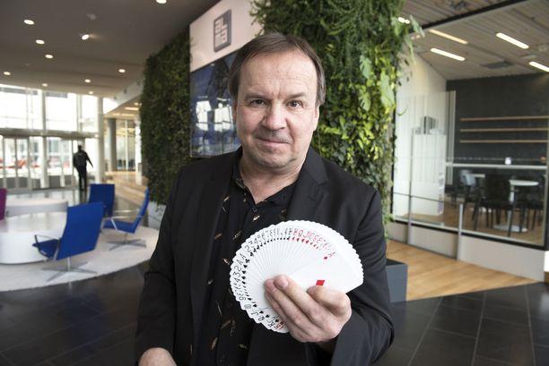 Timo Kulmakko tekee edelleen ahkerasti taikurin töitä.