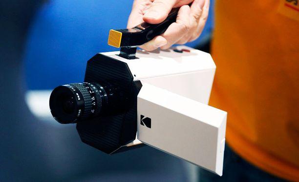 Kodakin uusi Super 8 -kamera esittelyssä CES-messuilla.