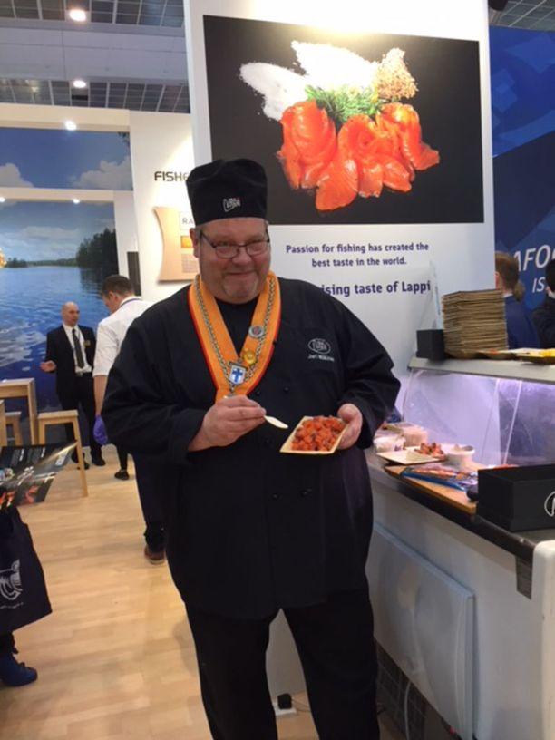 Keittiömestari Jari Mäkinen haluaa nostaa kalan arvostusta.