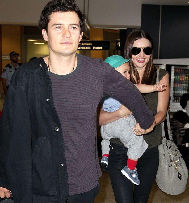 Mirandan elämän valot ovat aviomies Orlando Bloom ja pieni Flynn-poika.