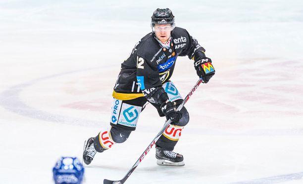Juha Koivisto oli Kärppien sankari Raksilan illassa.