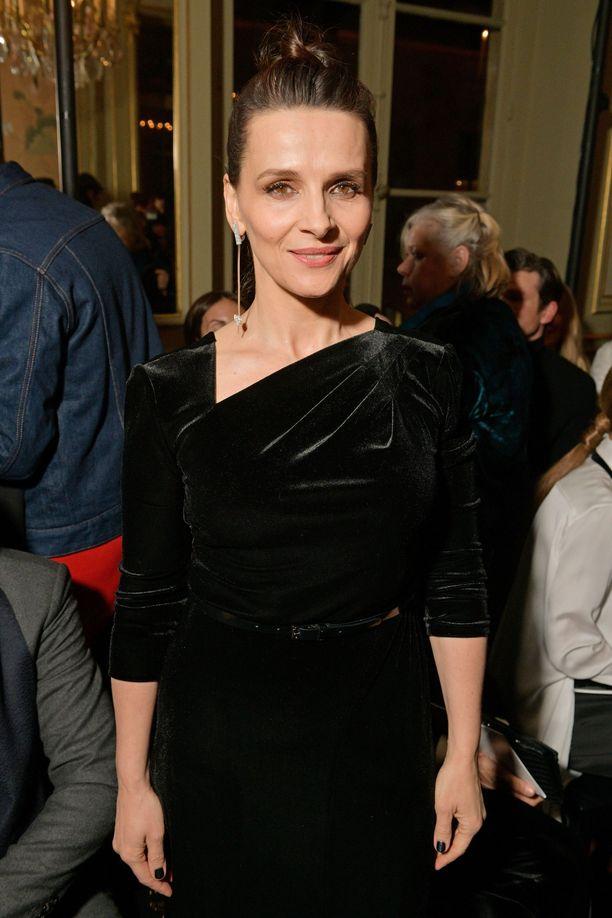 Juliette Binoche, 54