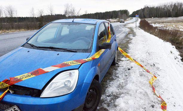 Turma-autossa matkustanut vauva menehtyi paikan päällä.