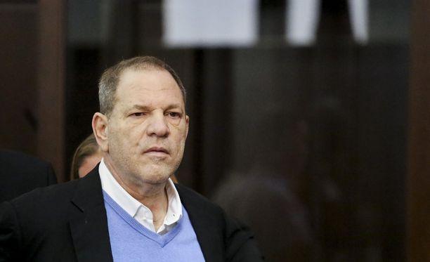 Harvey Weinstein kuulee tänään oikeudessa syytteet.
