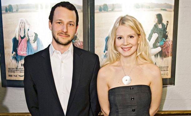 Pauli Waroma ja Pamela Tola.