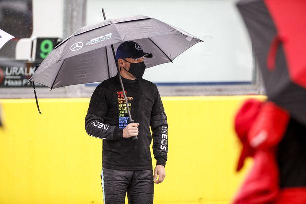 F1-tähti Valtteri Bottas on yksi tunnetuimmista suomalaisista maailmalla.