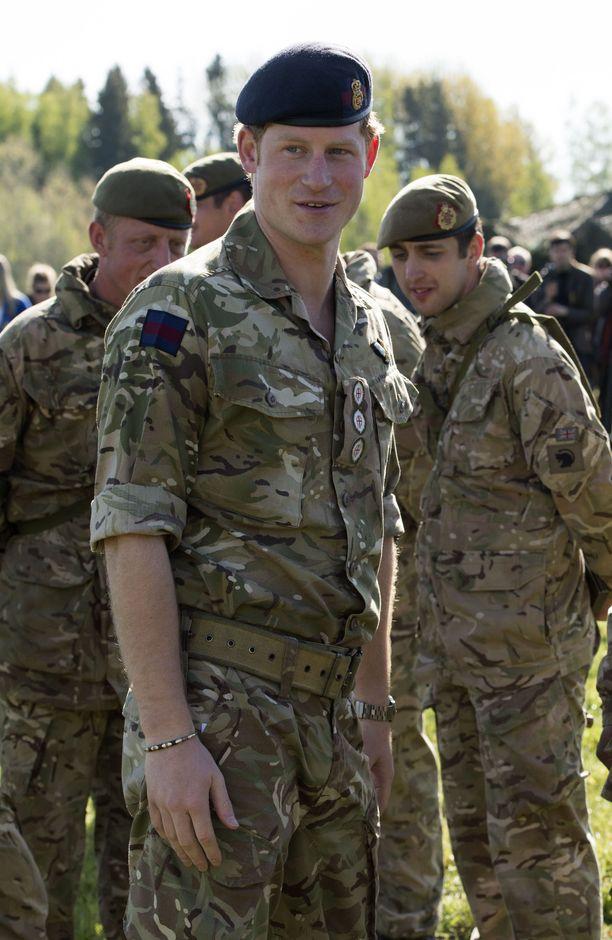 Harry on tehnyt myös sotilasuraa.