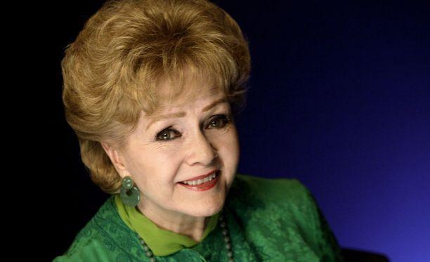Legendaarinen näyttelijä Debbie Reynolds on kuollut vain vuorokausi tyttärensä, näyttelijä Carrie Fisherin poismenon jälkeen.