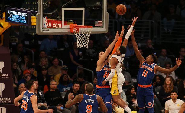 Los Angeles Lakers ja New York Knicks kohtasivat viime yönä Staples Centeissä.