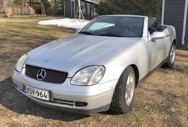 Mercedes SLK:n ensimmäisiä malleja alkaa saada jo 5000 - 7000 eurolla.