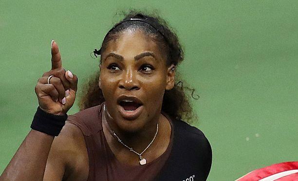 Serena Williamsilla oli asiaa tuomarille US Openin finaalissa.