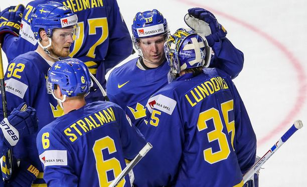 Nämä miehet tienaavat ensi kaudella enemmän kuin koko Leijonien joukkue yhteensä. Numerolla kuusi pelaava Anton Starlman saa 4,5 miljoonaa dollaria, numerolla 92 kiekkoileva Gabriel Landeskog 5,5, numero 19 on 6,7 miljoonan Nicklas Bäckström ja maalivahti Henrik Lundqvist on 8,5 miljoonan mies.