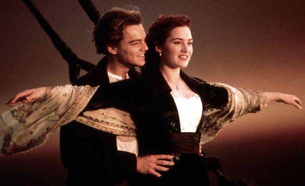 Tästä ikonisesta kuvasta Titanic-elokuva muistetaan.