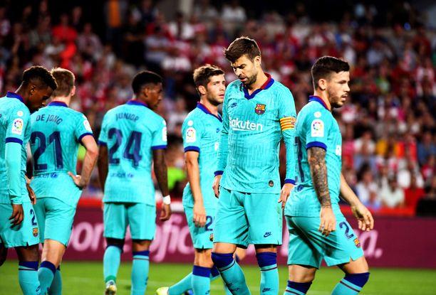 FC Barcelonan pelaajat eivät olleet juttutuulella Granada-tappion jälkeen.