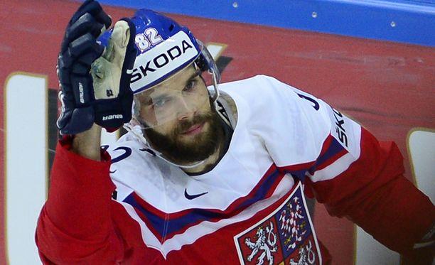 Michal Vondrka lahjoitti seurakaverilleen helpon maalin.