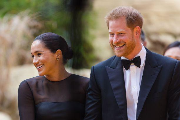 Herttuatar Meghania ei ole nähty punaisella matolla pienen Archien syntymän jälkeen.
