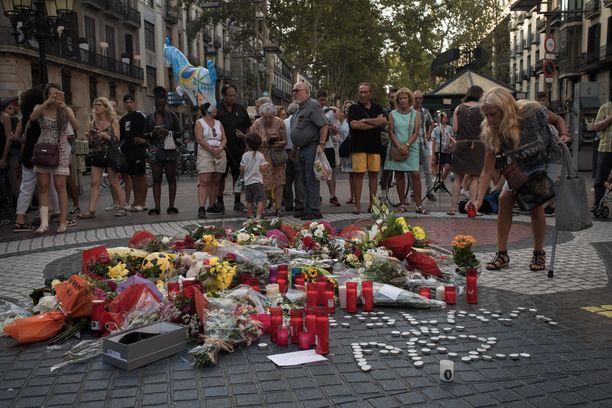 Espanjan Barcelonassa muisteltiin elokuussa La Ramblan terrori-iskussa kuolleita. Tutkimuksen koehenkilöt etsittiin Barcelonan ympäristöstä.