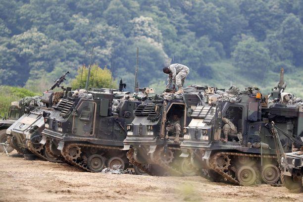 Yhdysvaltain armeijan henkilökuntaa Koreoiden välisellä demilitarisoidulla alueella Etelä-Korean Pajussa kesäkuun 19. päivänä.