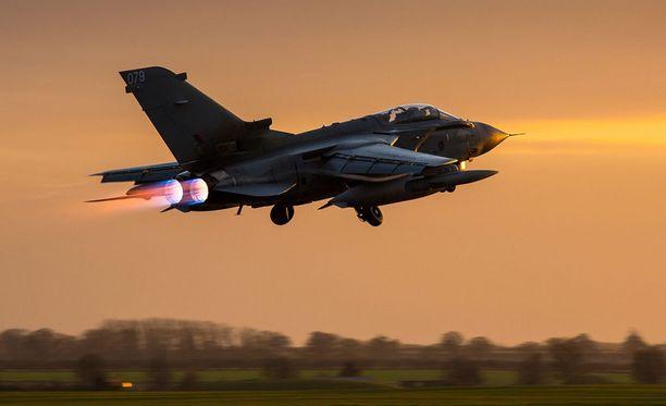 Britannia käytti ilmaiskuissa Tornado GR4 -koneita.