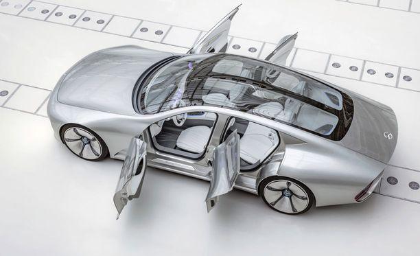 Kyseessä on neliovinen, neljän hengen auto.