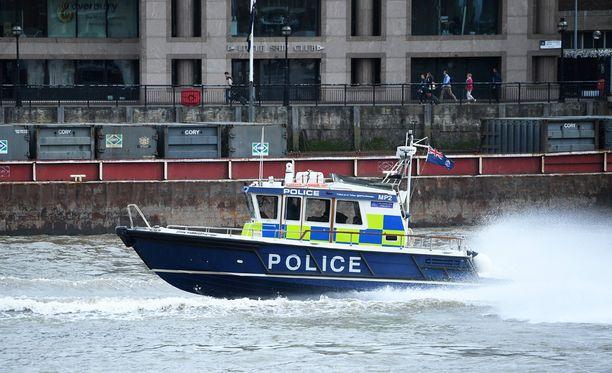 Seitsemästä Lontoon iskussa kuolleesta ainakin viisi on kotoisin Britannian ulkopuolelta. Poliisin mukaan vainaja löytyi Thames-joesta tiistai-iltana.