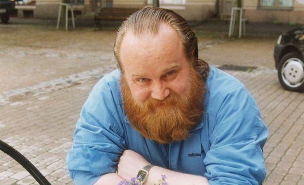 Persoonallisen näköinen Gösta Sundqvist tunnistettiin baareissa ja kahviloissa.