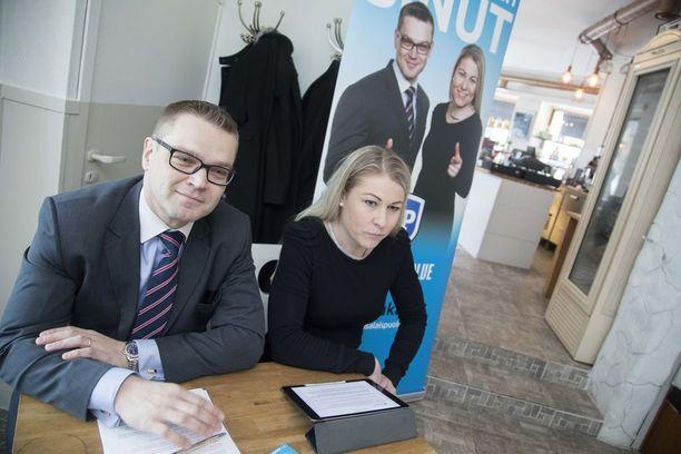 Sami Kilpeläinen on kansalaispuolueen puheenjohtaja ja Piia Kattelus varapuheenjohtaja.