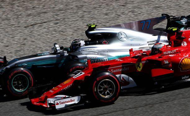 Kimi Räikkönen on ajanut tällä kaudella paalulle kerran, Valtteri Bottas kahdesti.