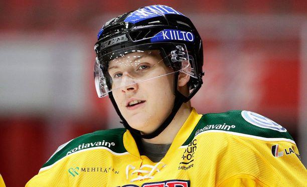 Ville Meskasen sai äidiltään palautetta pelin jälkeen.