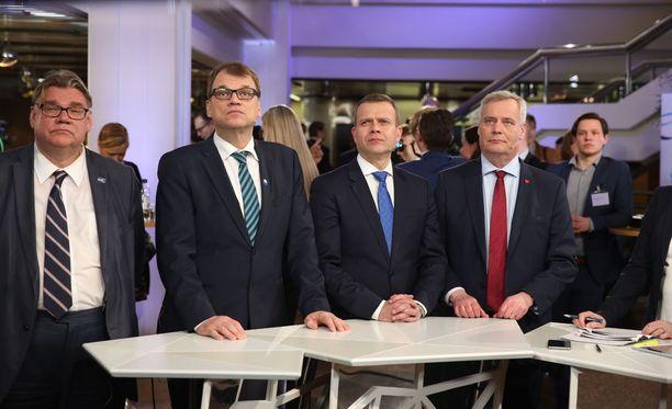 Kolmen suurimman puolueen kannatus laski edellisiin kuntavaaleihin verrattuna.