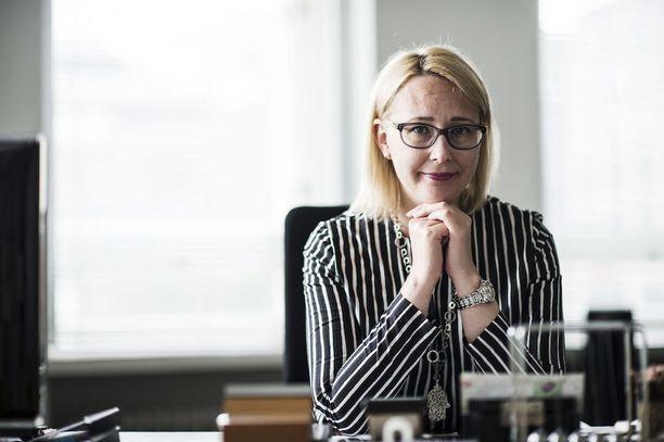 Puhemies Maria Lohelan mukaan lukuisat kansanedustajat ovat osallistuneet palkkatalkoisiin.