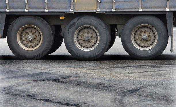 Liikenneviraston tilastot paljastavat, että vain kolmessa maakunnassa useampi alle kymmenesosa teistä on korjauksen tarpeessa.