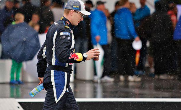 Jari-Matti Latvala oli vauhdissa heti aamusta.