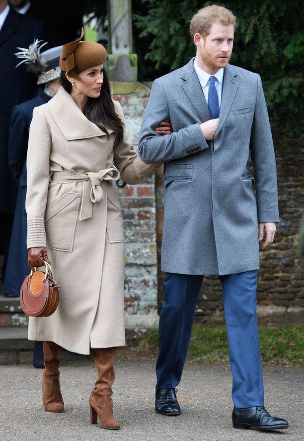 Meghan Markle ja prinssi Harry edustivat kirkossa yhdessä vaikka he eivät ole vielä naimisissa.