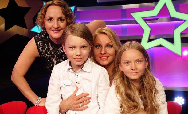 Virpi Kätkän James-poika ja Jane-tytär kertovat ohjelmassa paljastuksia äidistään.