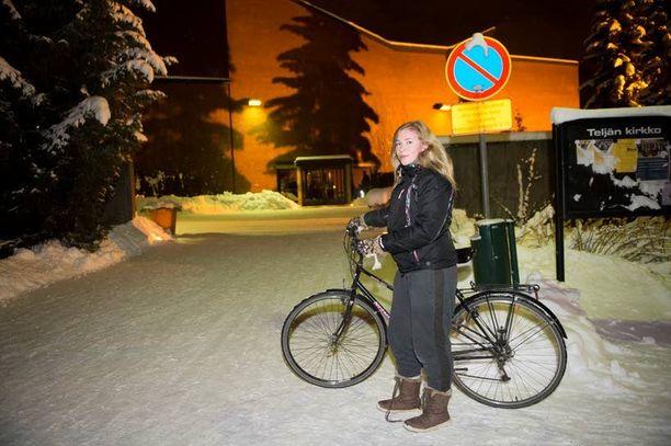 Melina Ojala on porilainen lukiolainen ja tapaus koskettaa häntä syvästi.