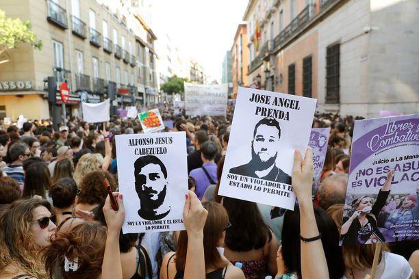 Mieltä on osoitettu eri puolilla Espanjaa.