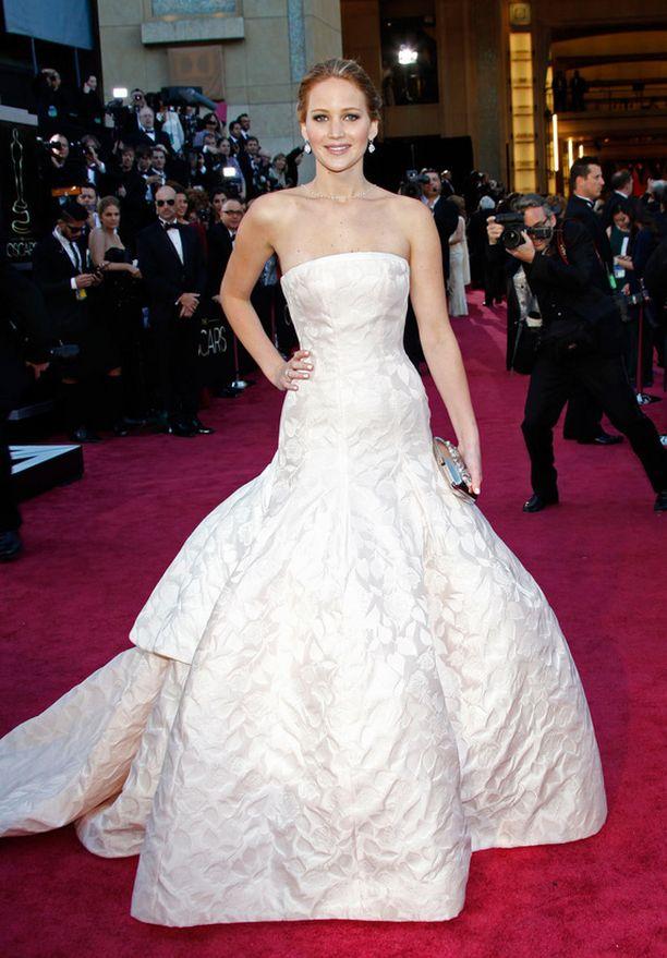 Unelmien pelikirja -elokuvan markkinointi on käynyt Jennifer Lawrencen kestävyyden päälle.