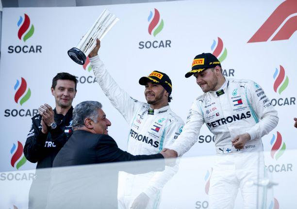 Lewis Hamilton ja Valtteri Bottas nappasivat kaksoisvoiton Azerbaidzhanissa.