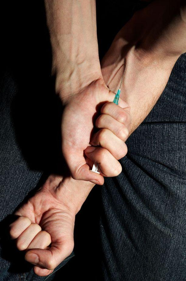 Ongelmallisiksi luokiteltujen huumeidenkäyttäjien määrä on Portugalissa puolittunut parissakymmenessä vuodessa.