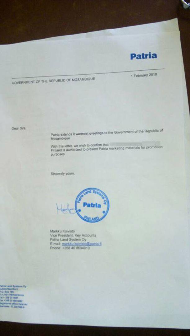 Mukana oli Patrian myyntipäällikön allekirjoittama kirje. Mies ei jatka Patrian palveluksessa, kerrottiin tänään.