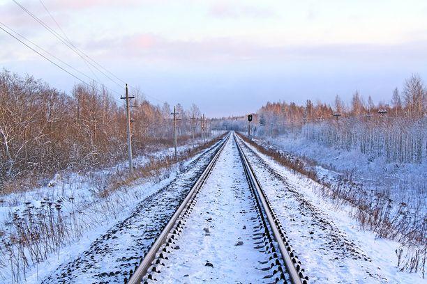 Uusi rataosuus kulkisi Rovaniemeltä Sodankylän kautta Jäämeren rannalle Kirkkoniemeen.