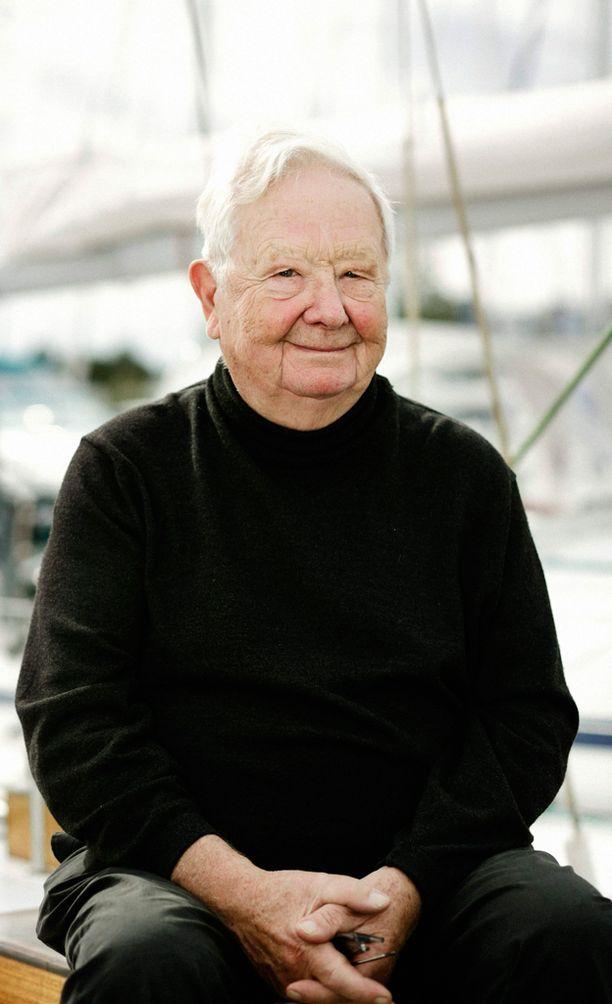 Lasse Pöysti Lauttasaaressa veneellään vuonna 2007.