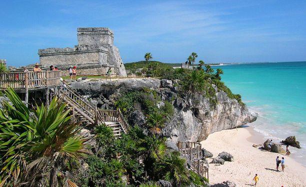 Meksikon Tulum on suosittu lomakohde, jossa on esimerkiksi arkeologisia nähtävyyksiä.
