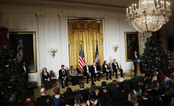 Vuonna 2016 silloinen presidentti Barack Obama puhui tervehdyksensä palkituille kulttuuri- ja taidevaikuttajille Valkoisessa talossa. Itse tapahtuma järjestetään Kennedy Centerissä, Washingtonissa.